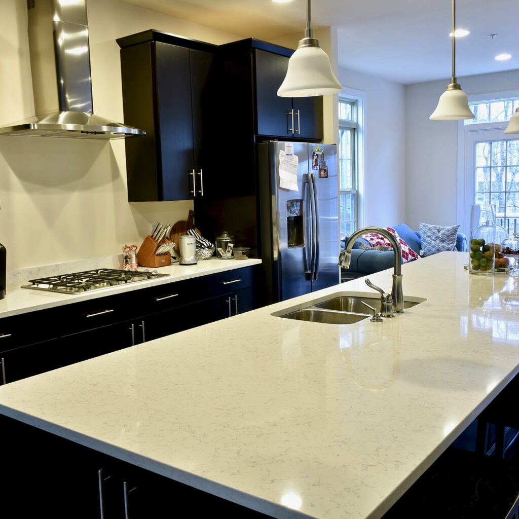 Marble Countertops Uses Mainstay Material And White Marble Kitchen Countertops Gives Rich Look.