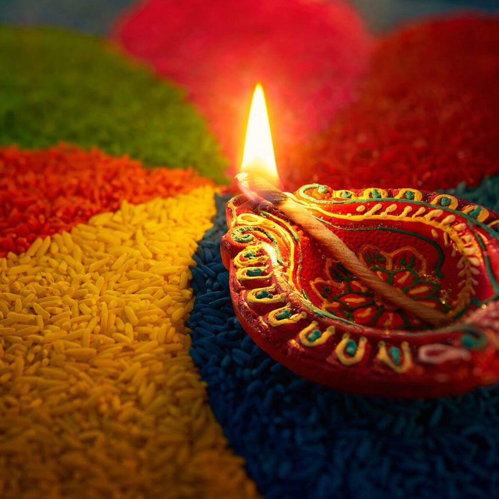 A simple Diya decoration ideas is, place the diya next to rangoli and enhance the plainest of rangolis into wonderful artwork.