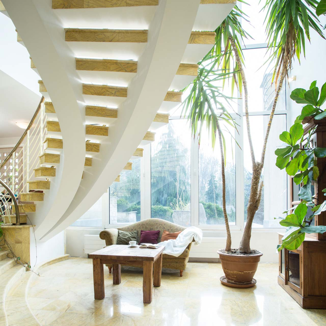 Choose winding staircases for penthouse interior design