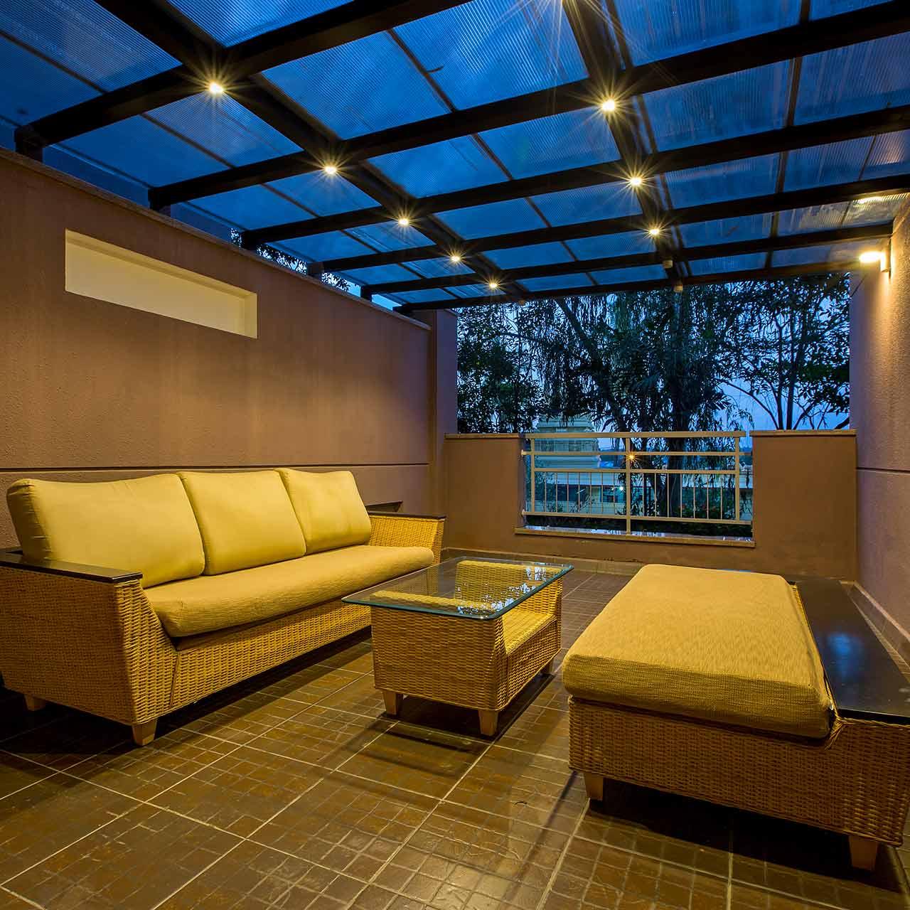 Outside Sit Out Idea for Villa Design