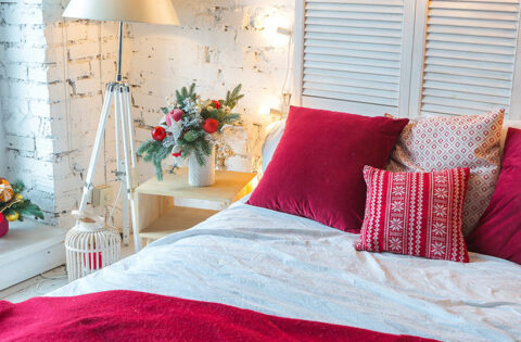 A Room Full Of Love! 10 Ways To Design A Romantic Bedroom