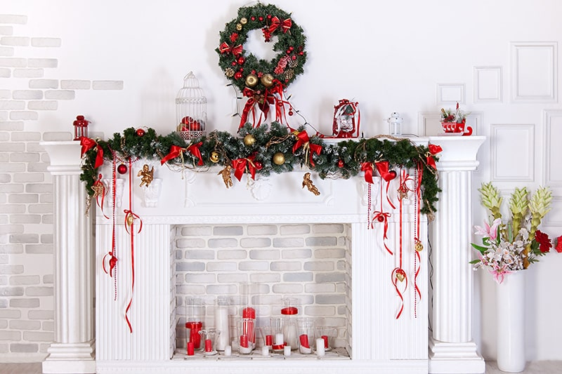 Decorate your living room for Christmas using handmade easy christmas decoration ideas, items, xmas home decor, christmas hanging decorations, christmas decorations indoor ideas.