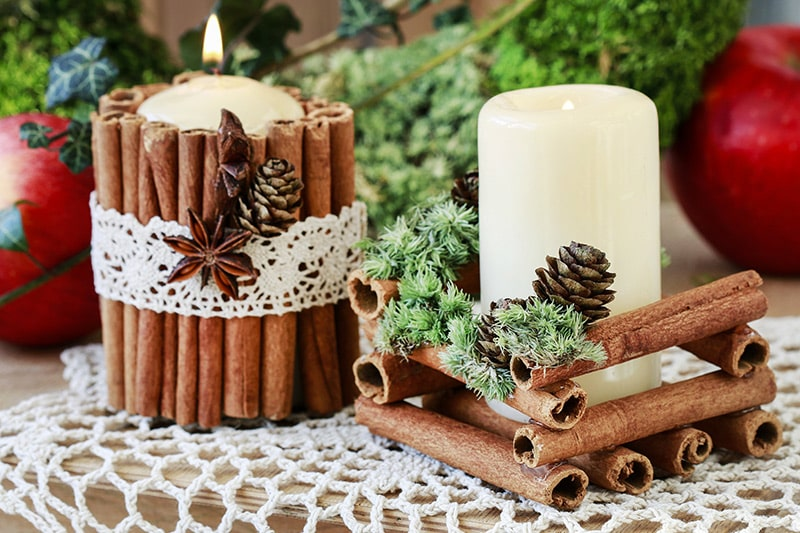 DIY handmade christmas decorations to make yourself like all natural cinnamon candles.