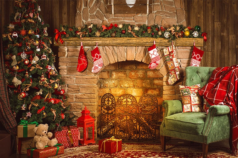 Create your own little fireplace for christmas winter evening using candles to give a warm feeling with a beautiful christmas décor.