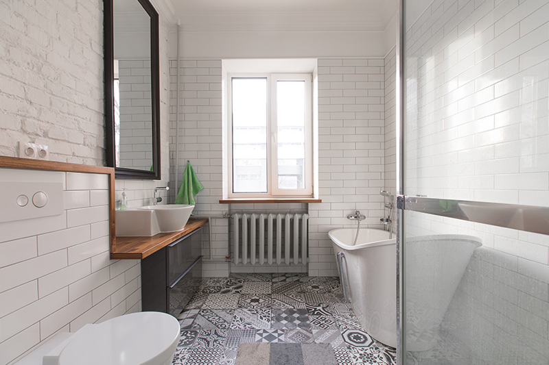 Modern toilet design coeval ovals that make a minimalistic bathroom look flawless with modern bathtub
