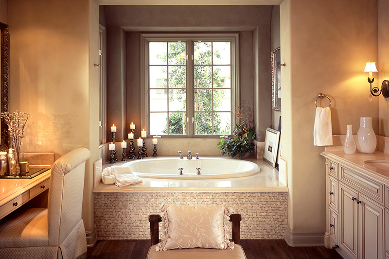 Modern small bathroom design with a royal bathtub with big candles of eden look of small modern bathroom