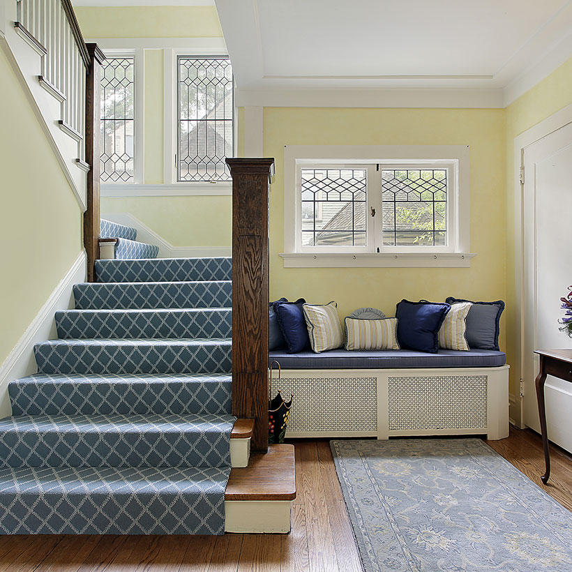 Foyer means home entrance area in a building or flat used to welcome a guest when they enter your home.