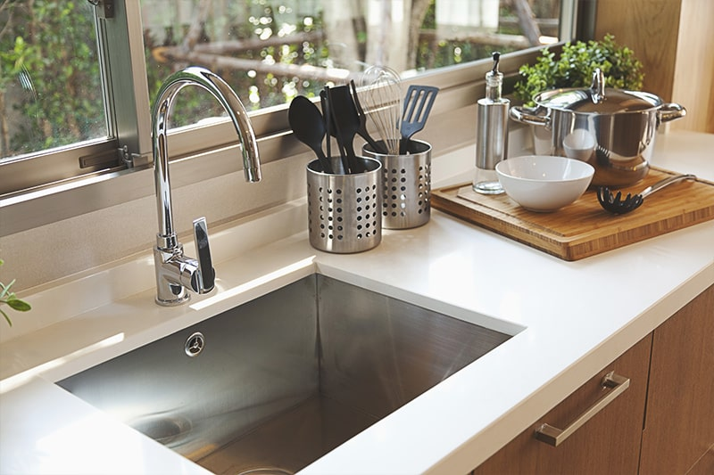 Single basin kitchen sink great choice for compact kitchen