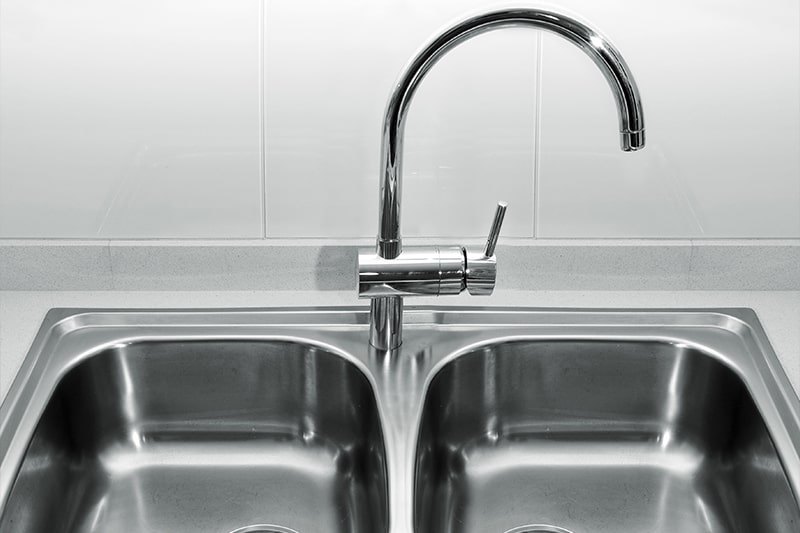 Stainless steel kitchen sinks are double bowl sinks made of stainless steel