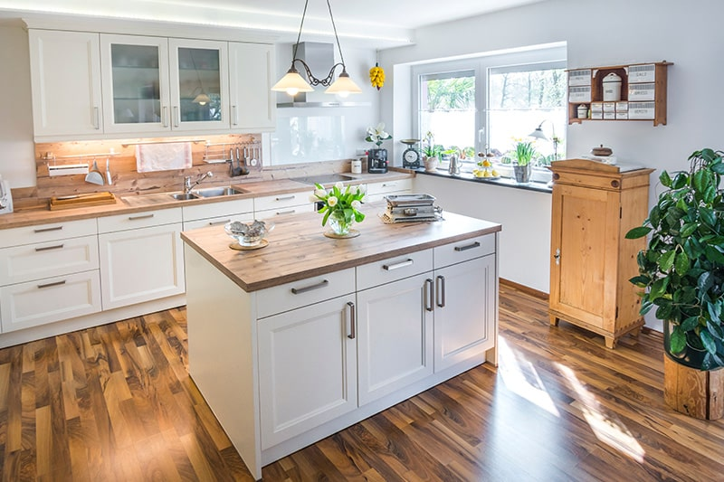 Country style kitchen cupboard designs gives a classy and minimalist look to your kitchen cupboards
