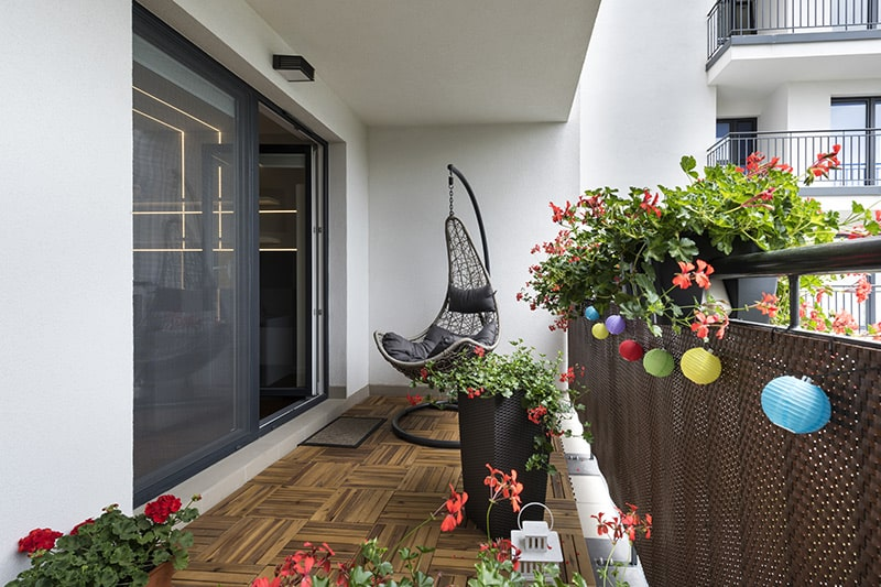 Flooring ideas for your balcony with wooden