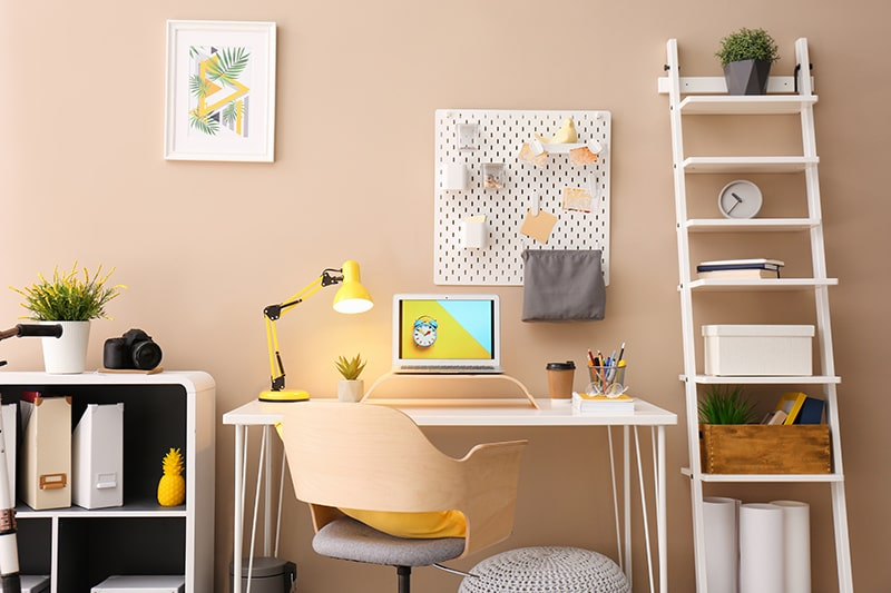 Peaceful study room design with the right amount of decor and creativity