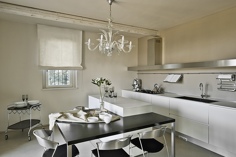 Kitchen trolley which is a sleek style and industrial design gives it a modern look for kitchen trolly