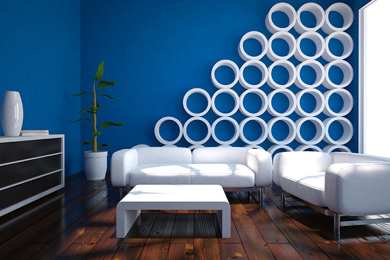 Cobalt blue paint colors makes a smaller room look spacious in your family room