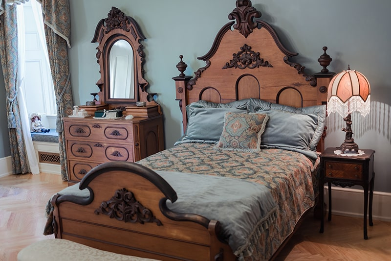 Modern wooden bed designs with antique wooden beds, carved with class