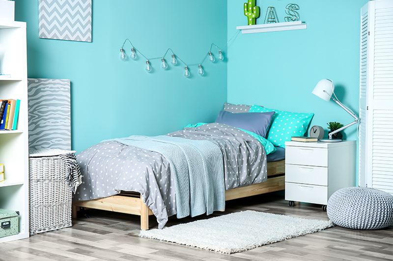 Aqua blue bedroom designs are one of the best colour and pair it with the green, white and fill in some patterns and you have got yourself a perfect haven of serenity.