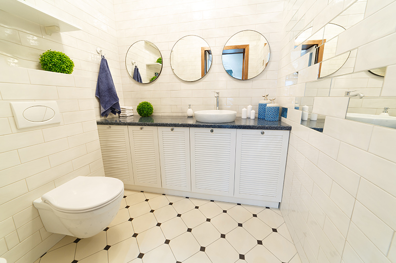 Small bathroom design ideas, wall-mounted toilet tank can save both the floor space and legroom.