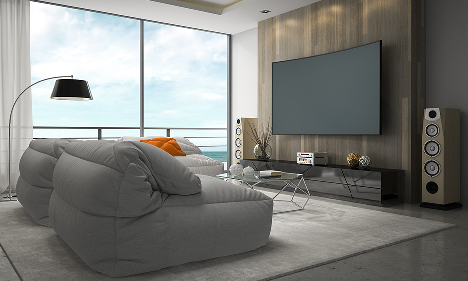 Modern home theatre interior design with a beautiful sky view inevitably brings out a beachy vibe.