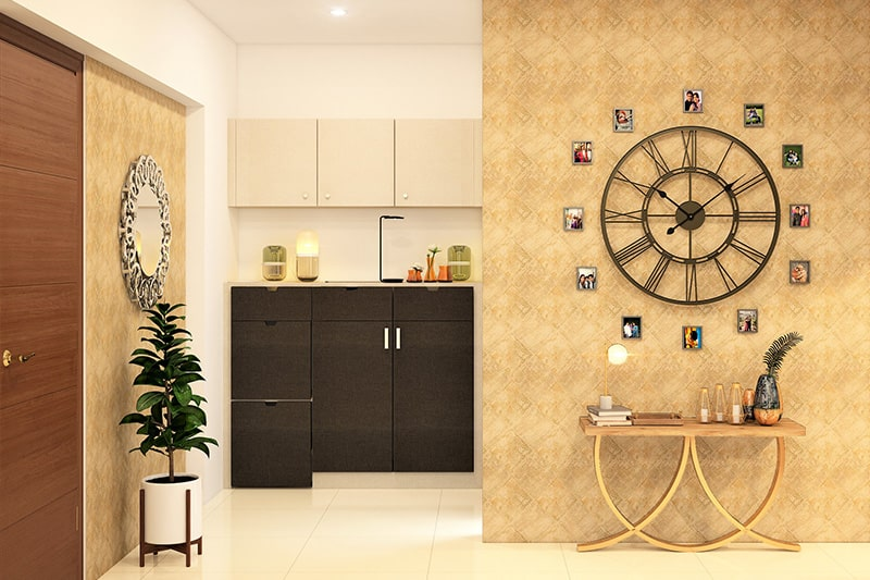 Creative home decoration ideas with the representation of photographs in a circle around the clock