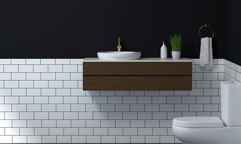 Black walls for your black and white bathroom designs gives you classic look
