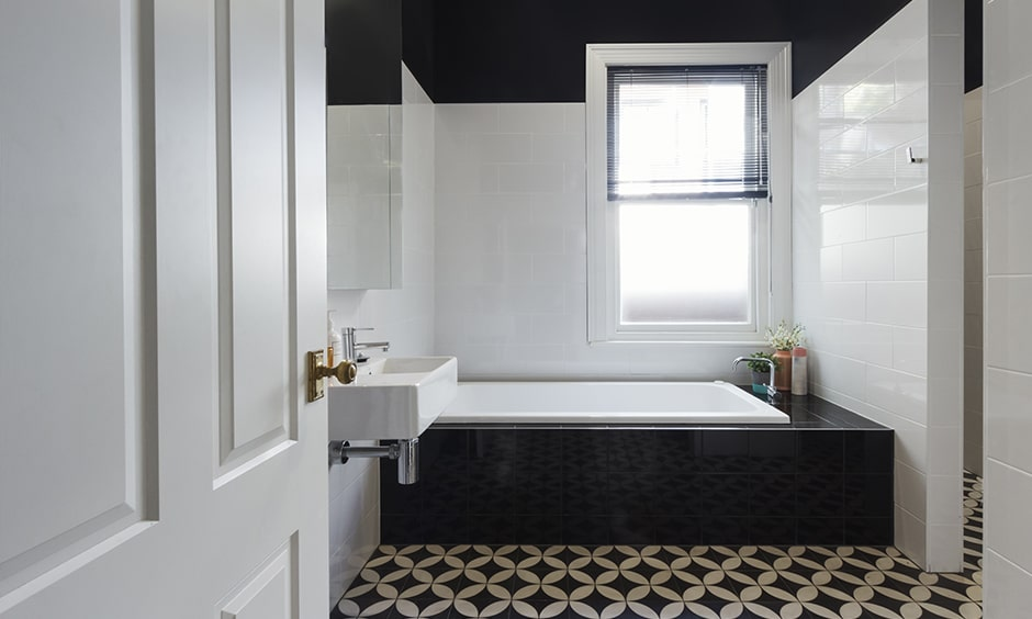 A floral tile pattern for your black and white bathroom design
