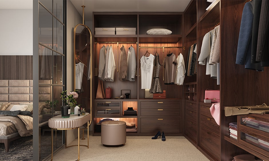 Pull-out hanger rods for your compartment for wardrobe to create wardrobe section that allows you to pull the hanger down