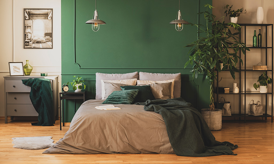 Forest green bedroom has the power to change your mood instantaneously and make you feel fresh and energised.