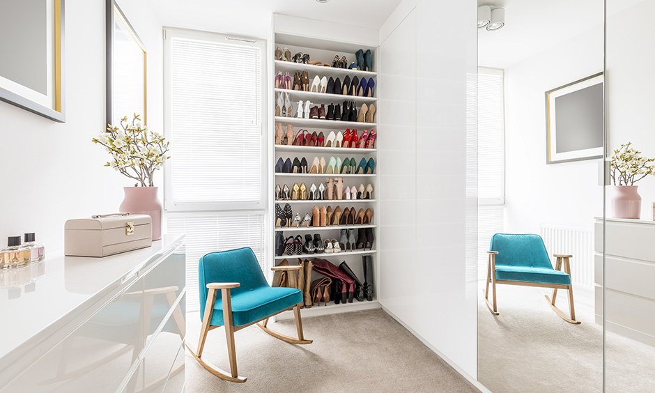 This floor to ceiling open shoe rack design can be customised based on your space and the number of shoes you own.