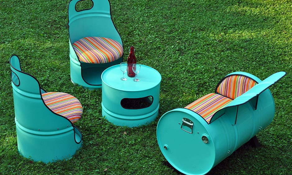 Design unique DIY furniture yet comfortable settee for your patio or garden area you need beer crates or oil barrels.