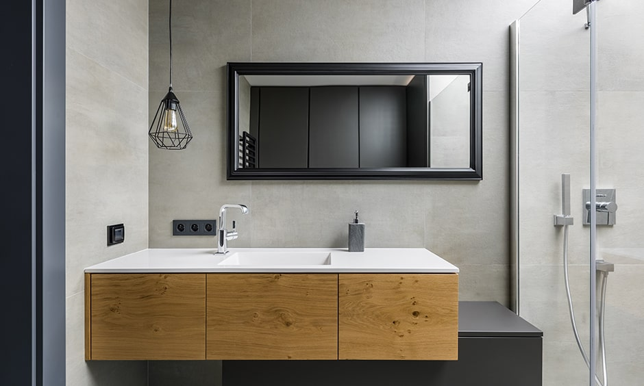 Classic bathroom mirror design gives elegance look to your bathroom