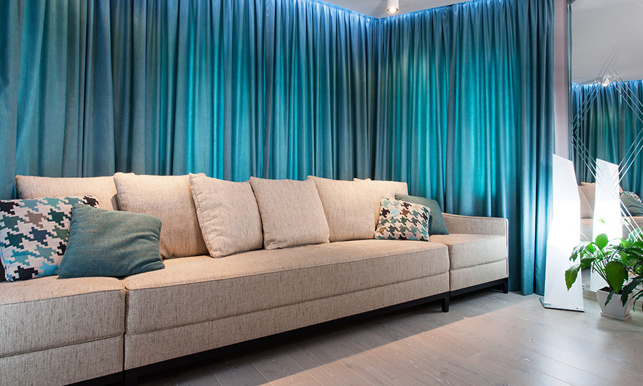 Pacifying blue curtain designs for living room bring peace and elegance