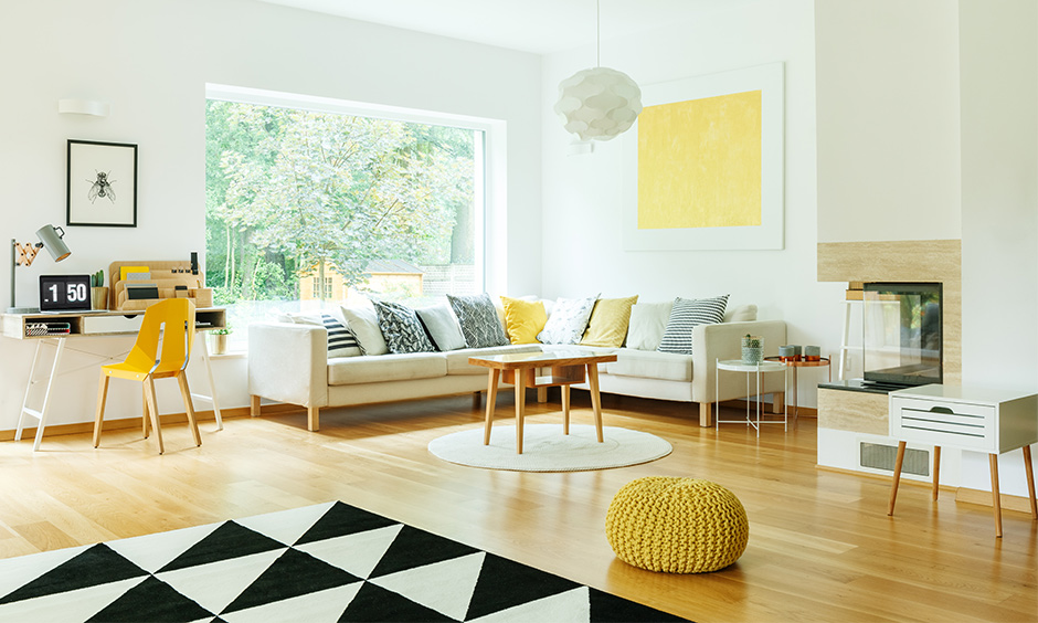 Combination of the white and yellow living room is made in heaven, white encompasses and splashes of yellow upbeat.
