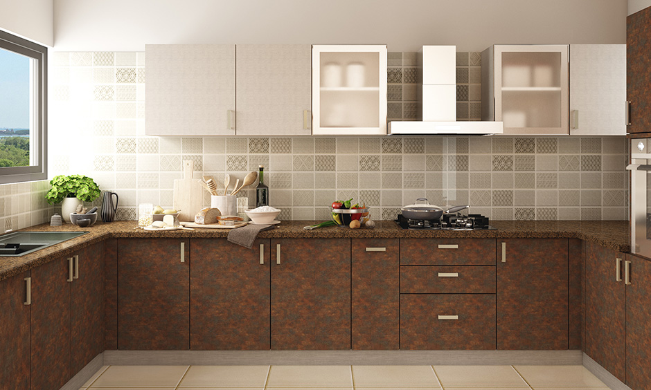 Warm colour scheme and granite finish kitchen wardrobe look and feel cosy.