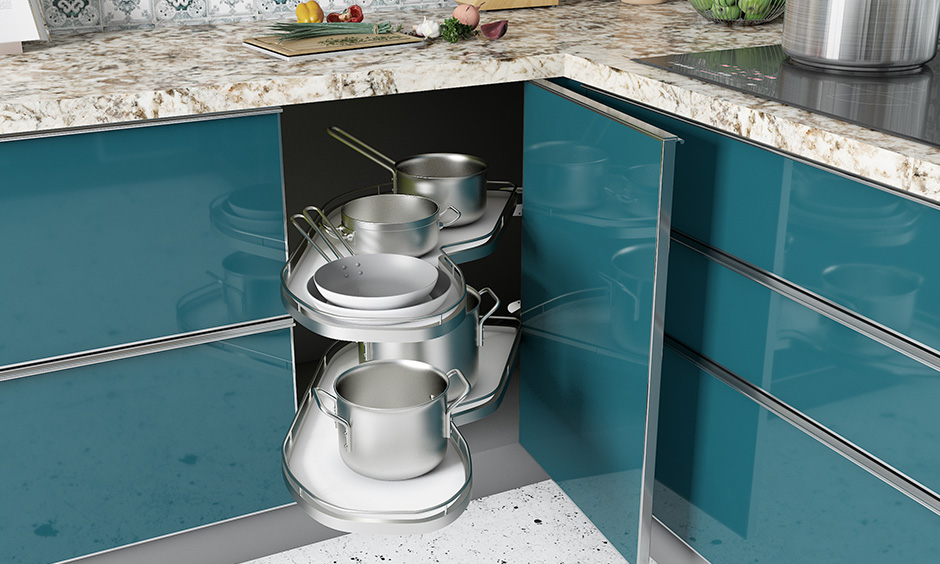S carousel is another corner kitchen unit for the kitchen to make more efficient use of the space.