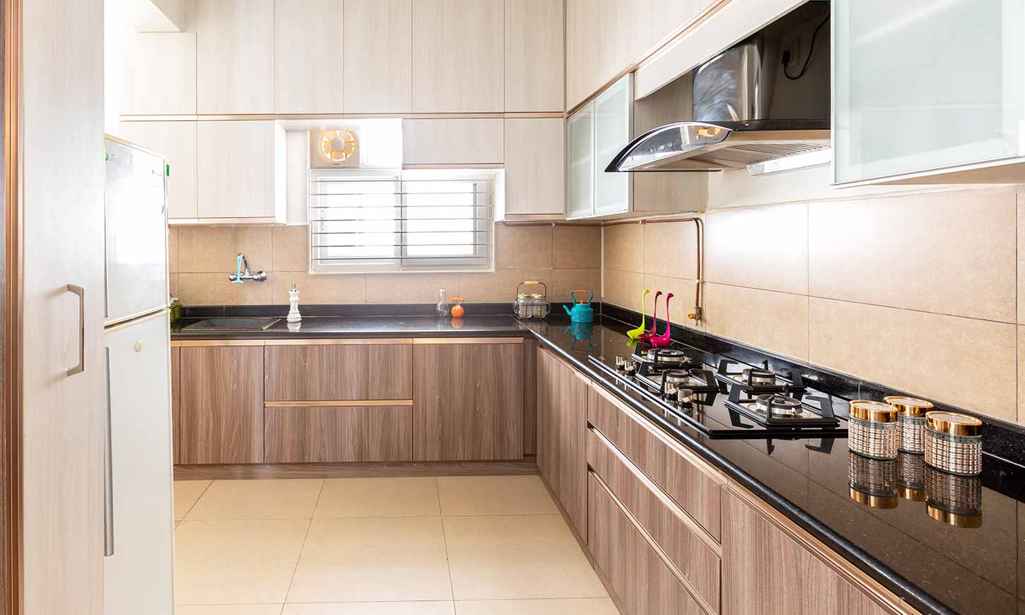 Modular kitchen designed by interior designers & decorators in bangalore