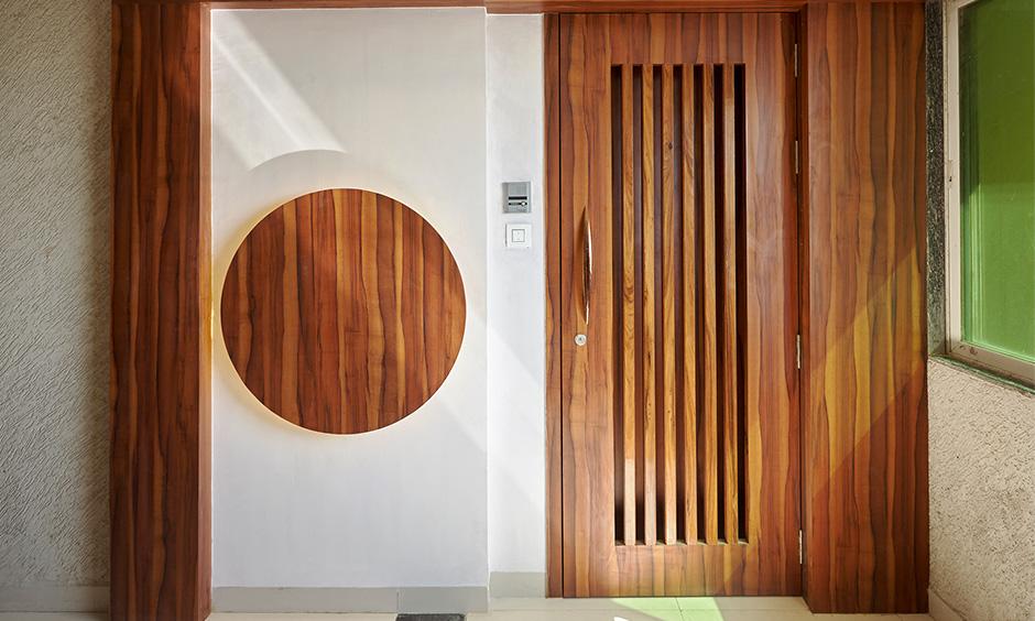 Beautiful wardrobe designed by interior contractor in mumbai