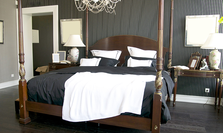 A mix of the modern vintage bedroom with the right balance of accents, colours and furniture look eclectic and funky.