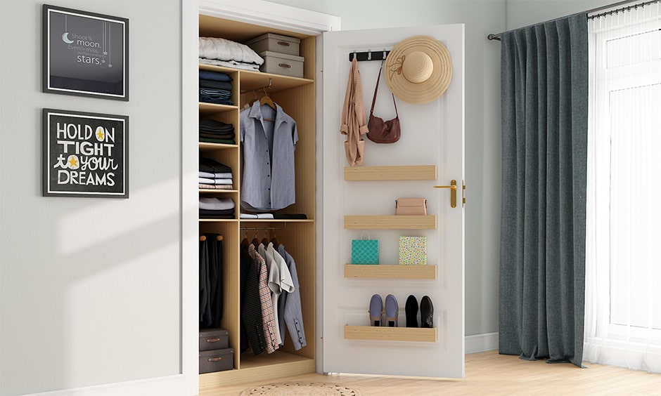Creative storage ideas for small bedroom, behind the door an excellent storage idea