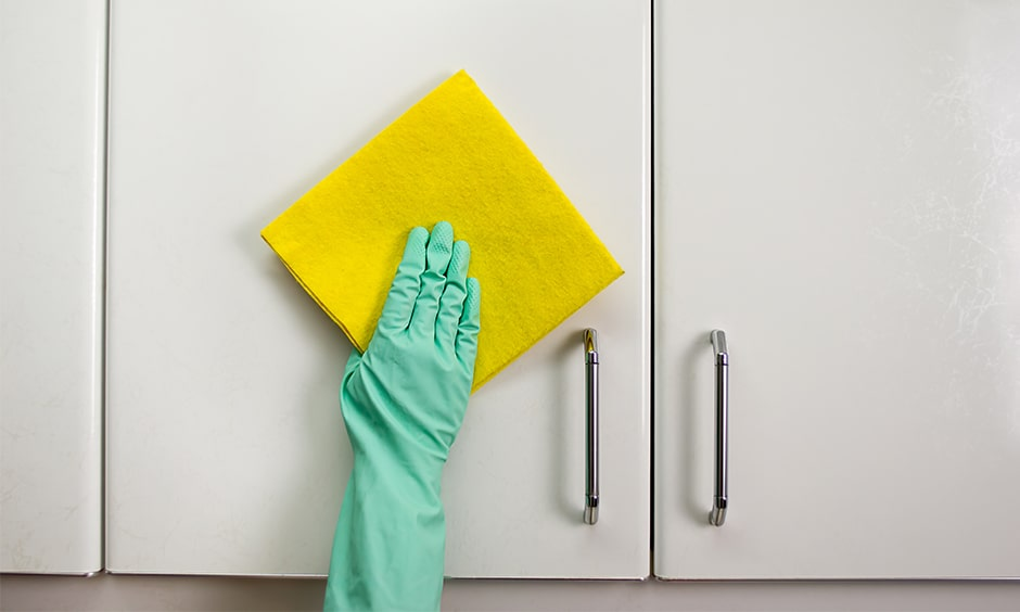 Cleaning your kitchen cupboards, cleaning a variety of materials and surfaces for kitchen
