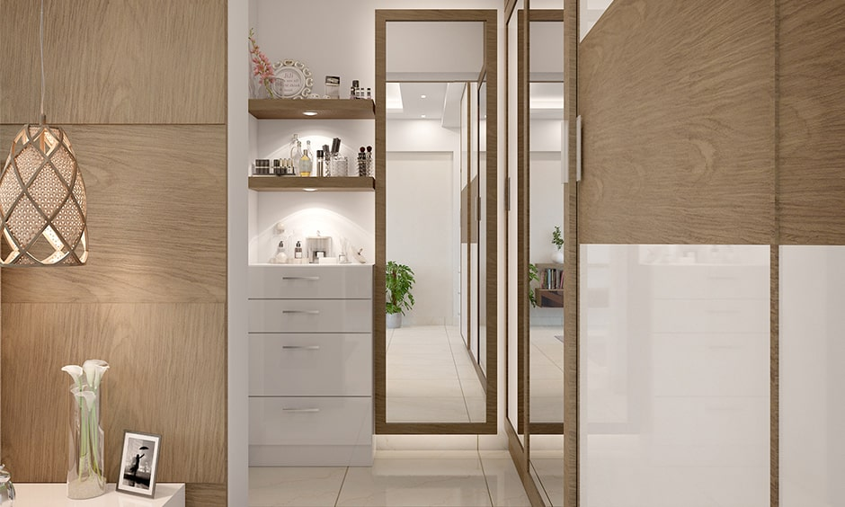 Vastu mirror position - place a mirror in front of your locker