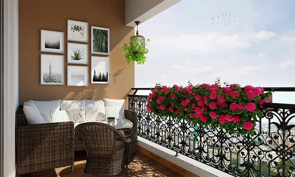 How to decorate a balcony - check out balcony lighting, layering and layout