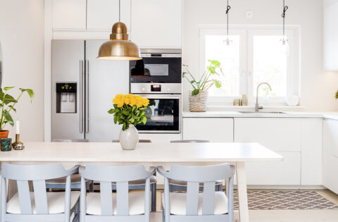 Beautiful kitchen design with dining table for your home