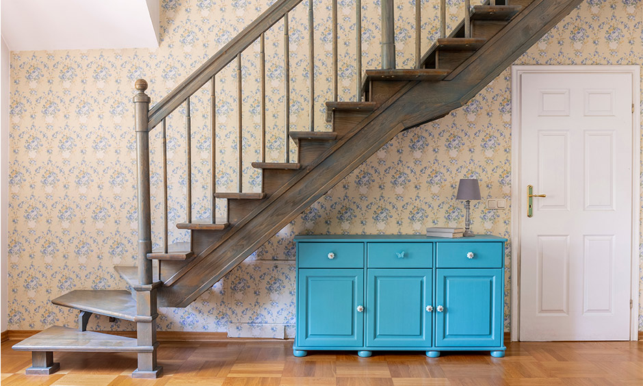 Hall stairs landing wallpaper ideas, a pretty floral hallway wallpaper adds so much vibrancy to the entire space.
