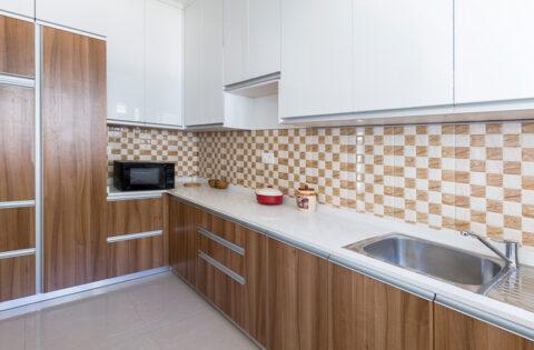 White granite kitchen countertops for your home