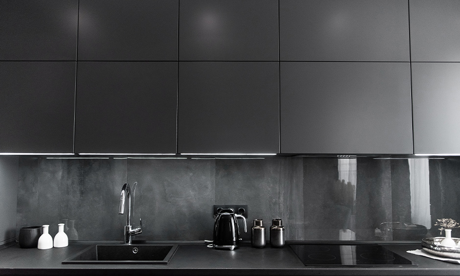 Elegant black glass tiles for kitchen backsplashes for your home
