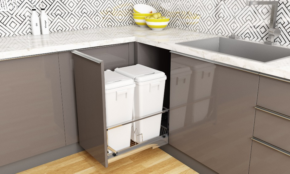Bins placed in the pull-out drawer under the sink to avoid space and mosquitoes are modern kitchen drawers.