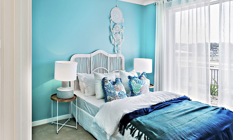 Small bedroom colour scheme ideas with icy blue-white walled interiors