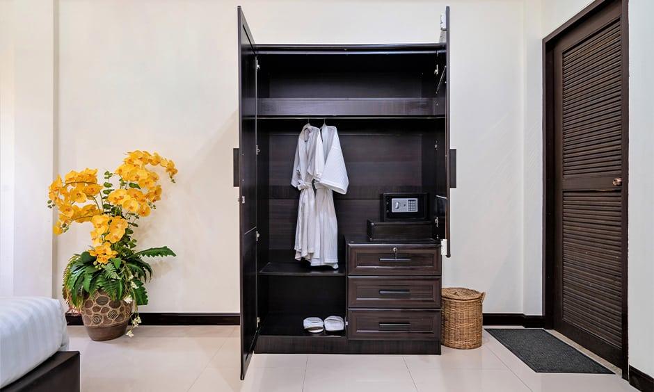 Latest wooden almirah designs for bedroom with hinged doors