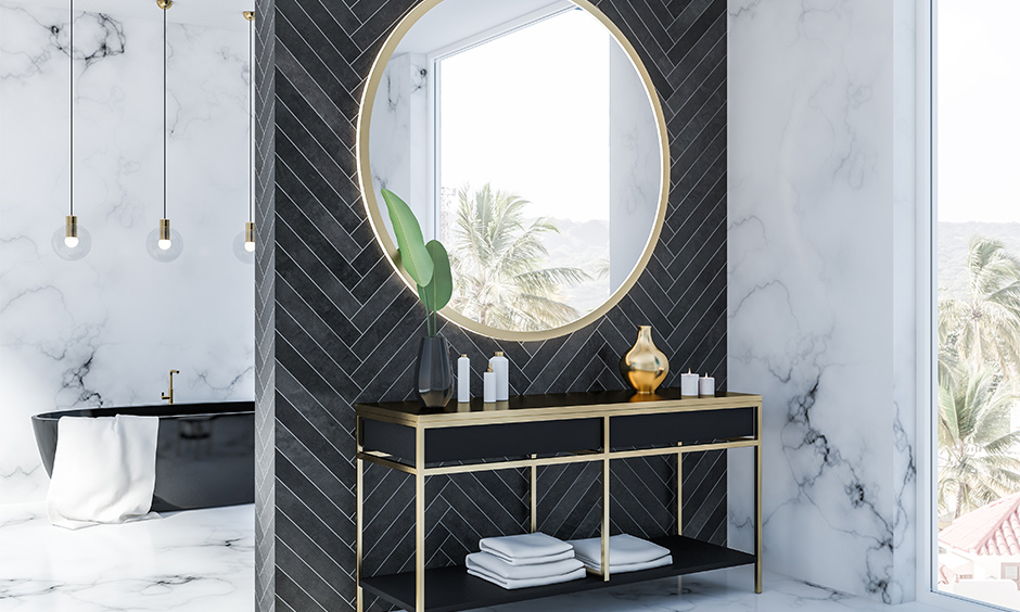 How to decorate a bathroom mirror, hang a large ornate mirror adds more glamour and looks more spacious.