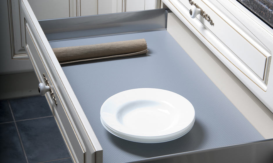 Pull-out kitchen cabinet drawer is an intelligent addition to the kitchen organization